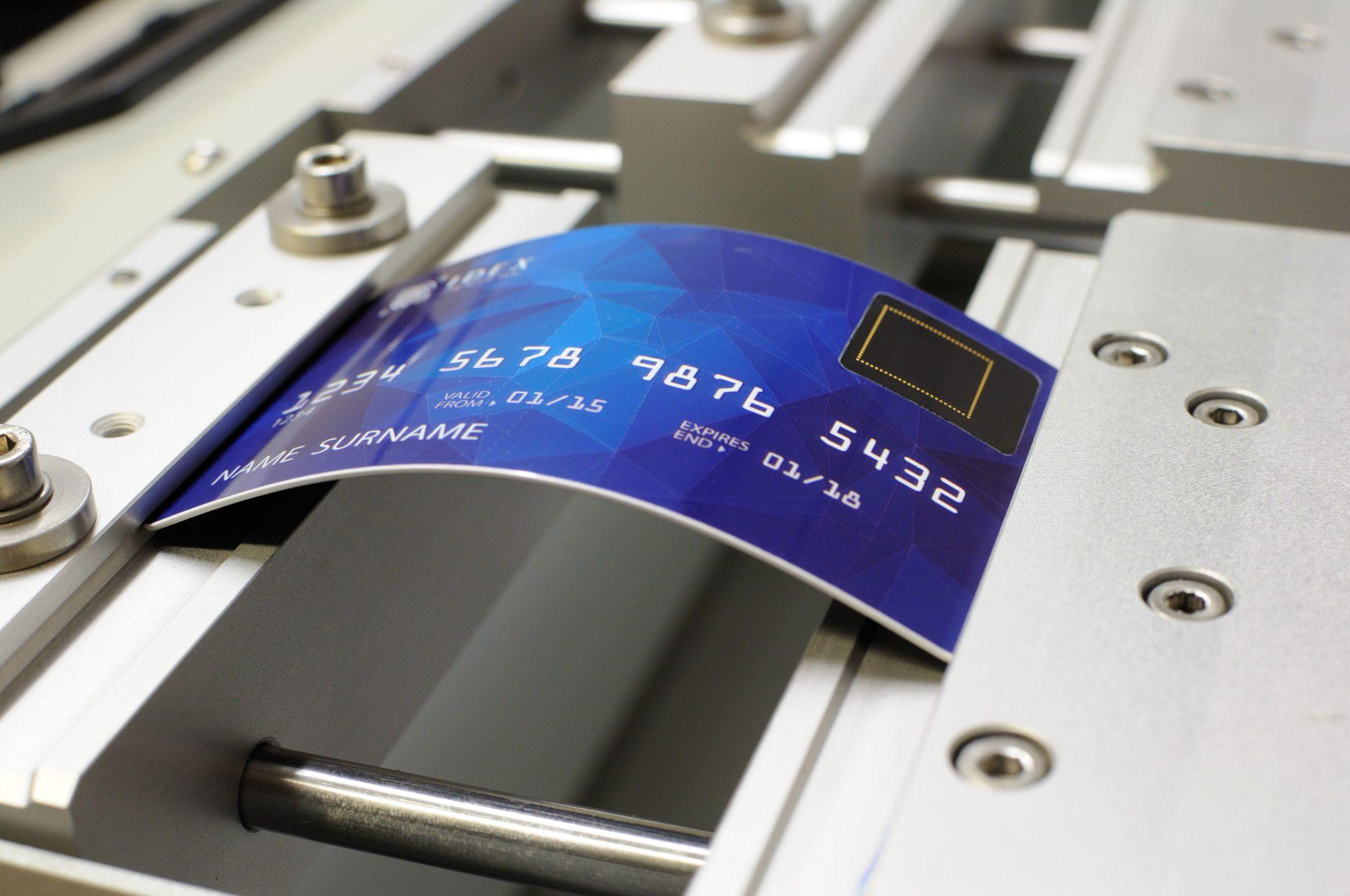 CB carte de paiement biométrique Mastercard capteur